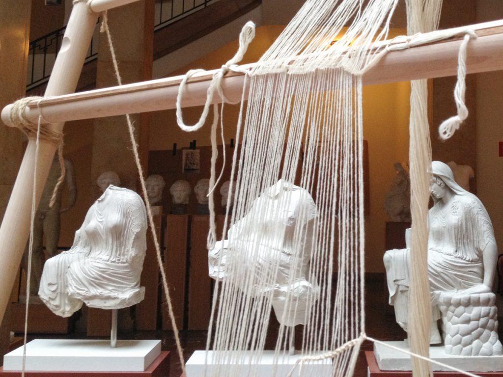 Weben am Gewichtswebstuhl